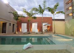 Oasis Tower Hotel - Ribeirão Preto - Pool