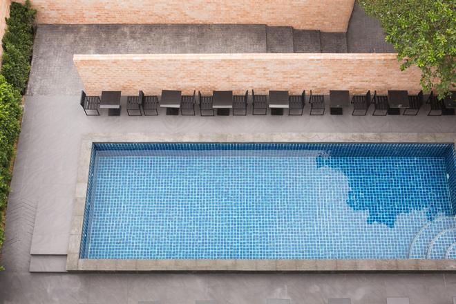 比爾林希里住宅酒店 - 北欖 - 曼谷 - 游泳池