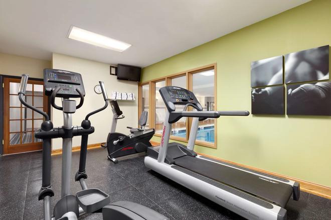 達爾頓卡爾森鄉村套房酒店 - 達爾頓 - 多爾頓 - 健身房
