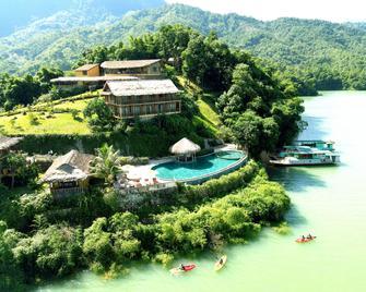 Mai Chau Hideaway Resort - Mai Chau