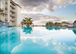 Holiday Inn Club Vacations Galveston Beach Resort - Galveston - Piscina