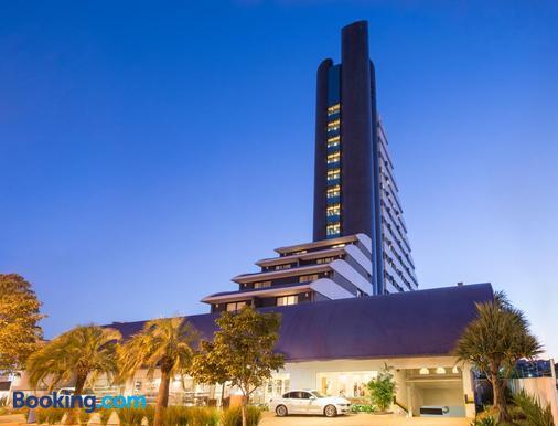 Blue Tree Premium Londrina - Londrina - Building