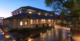 Regenta MPG Club - Mahabaleshwar - Building