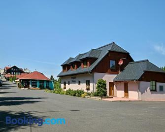Penzion Florian - Nove Mesto - Building