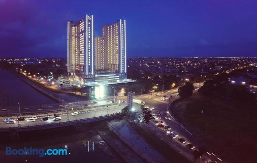 Hotel Gunawangsa Merr - Surabaya - Toà nhà