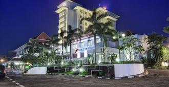 Sahid Jaya Hotel Solo - סורקטה - בניין