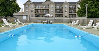 Canadas Best Value Inn & Suites-Charlottetown - Charlottetown (Prince Edward Island) - Pool