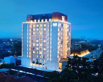 Four Points by Sheraton Bandung - Bandung - Building