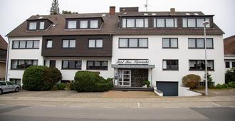 Haus Kastanienhof - מולהיים אן דר רוהר - בניין