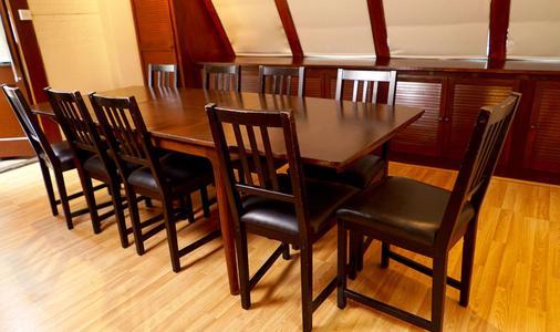 La Gaffe - London - Dining room