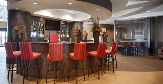Best Western Premier Freeport Inn Calgary Airport - Calgary - Bar