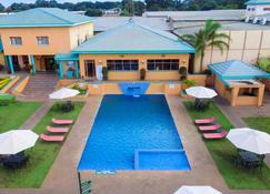Crossroads Hotel Lilongwe - Lilongwe - Pool