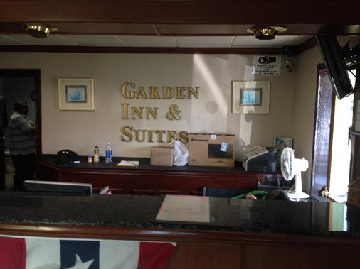 Garden Inn and Suites - Pensacola - Lễ tân