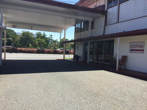 Ambassador Motel - Rockhampton - Außenansicht