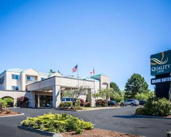 Quality Inn Grand Suites Bellingham - Bellingham - Building