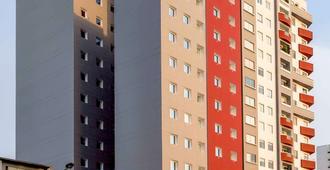 ibis Lima Reducto Miraflores - Lima - Building