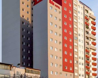 ibis Lima Reducto Miraflores - Lima - Edificio