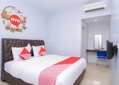โรงแรมโอโย 632 มูลานา - บันดาร์อาเจะห์ - ห้องนอน