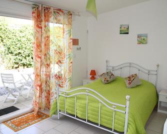 Chambres D'hôtes À Marée Hôtes - Courseulles-sur-Mer - Bedroom