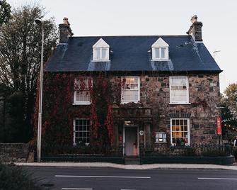 Llys Meddyg - Newport (Pembrokeshire) - Building