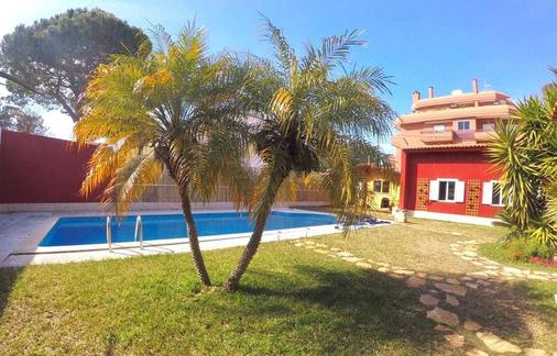 7 Waves Surf Hostel - Costa da Caparica - Pool