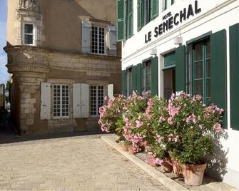 Hôtel Le Sénéchal - Ars-en-Ré - Outdoor view