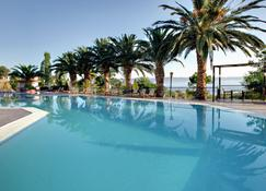 Sunrise Resort Hotel - Míthymna - Piscina