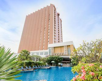 Golden Beach Cha-Am Hotel - Cha-am - Building