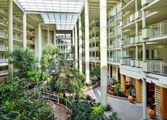 Embassy Suites by Hilton Parsippany - Parsippany - Building