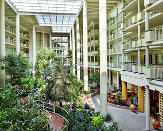 Embassy Suites by Hilton Parsippany - Parsippany - Gebouw