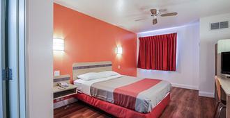 Motel 6 Nephi - Nephi - Bedroom