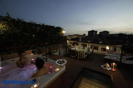 Hotel Bologna - Verona - Balcony