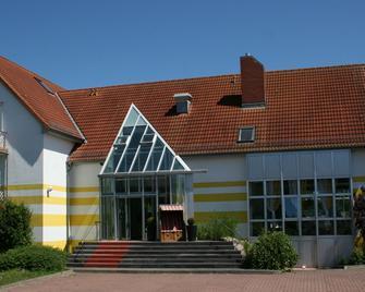 Hotel Sonnenhaken - Bergen auf Rügen - Building