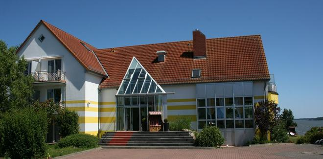 Hotel Sonnenhaken - Берген-на-Рюгене - Здание