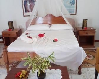 Zerof Guest House - La Digue Island - Bedroom