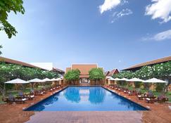 Sukhothai Heritage Resort - Sawankhalok - Pool