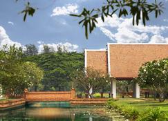 Sukhothai Heritage Resort - Sawankhalok - Vista del exterior