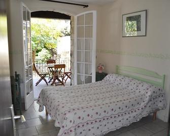 La Garrigue - Pernes-les-Fontaines - Schlafzimmer