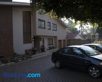 125 on Van Buuren Road Guest House - Bedfordview - Gebäude