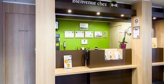 B&b Hotel Reims Centre Gare - Reims - Front desk