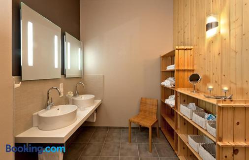 Hotel Am Grudenberg - Halberstadt - Bathroom