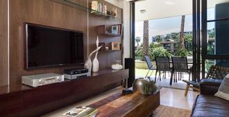 Juliette 003 - Cape Town - Living room