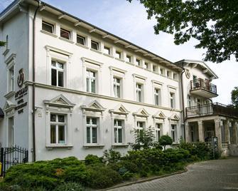 Hotel Apollo - Darłowo - Budova