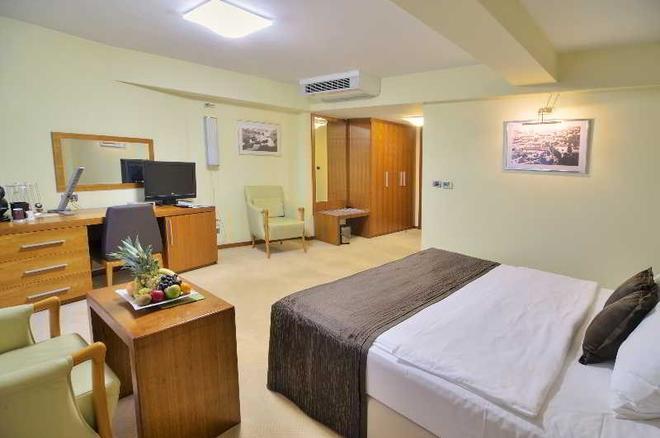 Hotel Podgorica - Podgorica - Schlafzimmer