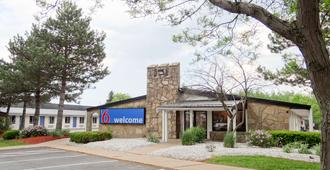 Motel 6 Erie - Erie - Building