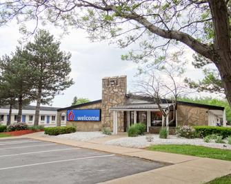 Motel 6 Erie - Erie - Building