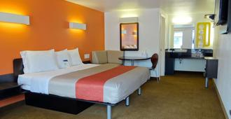 Motel 6 Erie, Pa - Erie - Bedroom