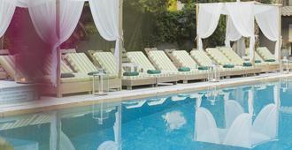 لا بيسين آرت هوتل - للبالغين فقط - Skiathos - حوض السباحة