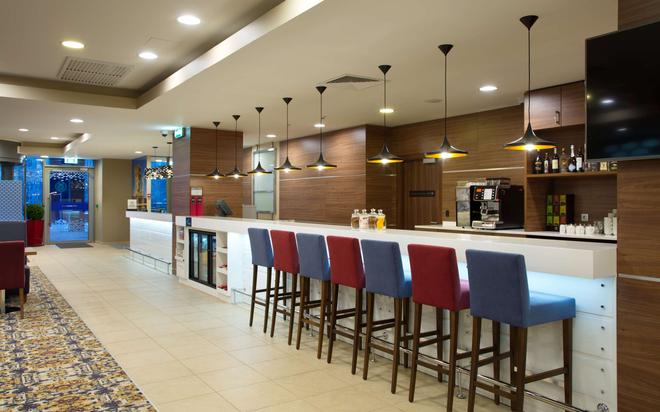 Hampton by Hilton Moscow Strogino - Moscow - Bar