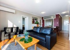 Mont Clare Boutique Apartments - Perth - Building